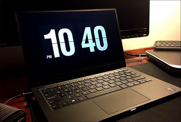 电脑屏保全屏显示时间怎么设置?